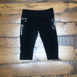 Virus / Caffeine & Kilos cropped leggings sz. XL